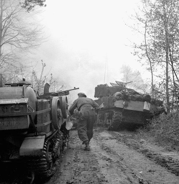 Photo of Advancing Towards Hatten, Germany