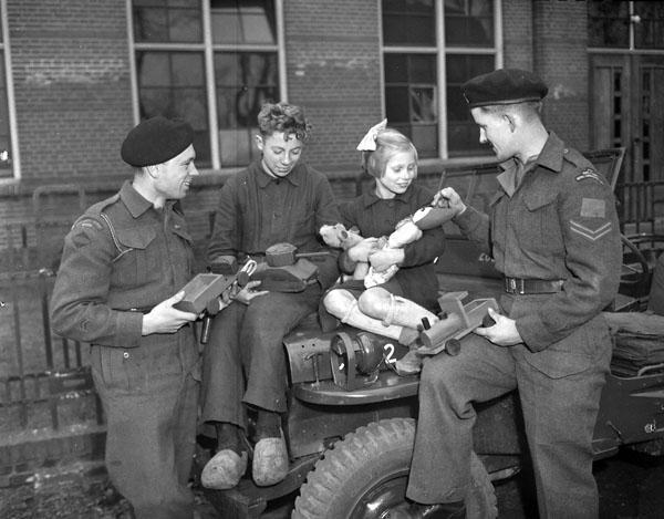 Photo of Presenting Toys to Dutch Children