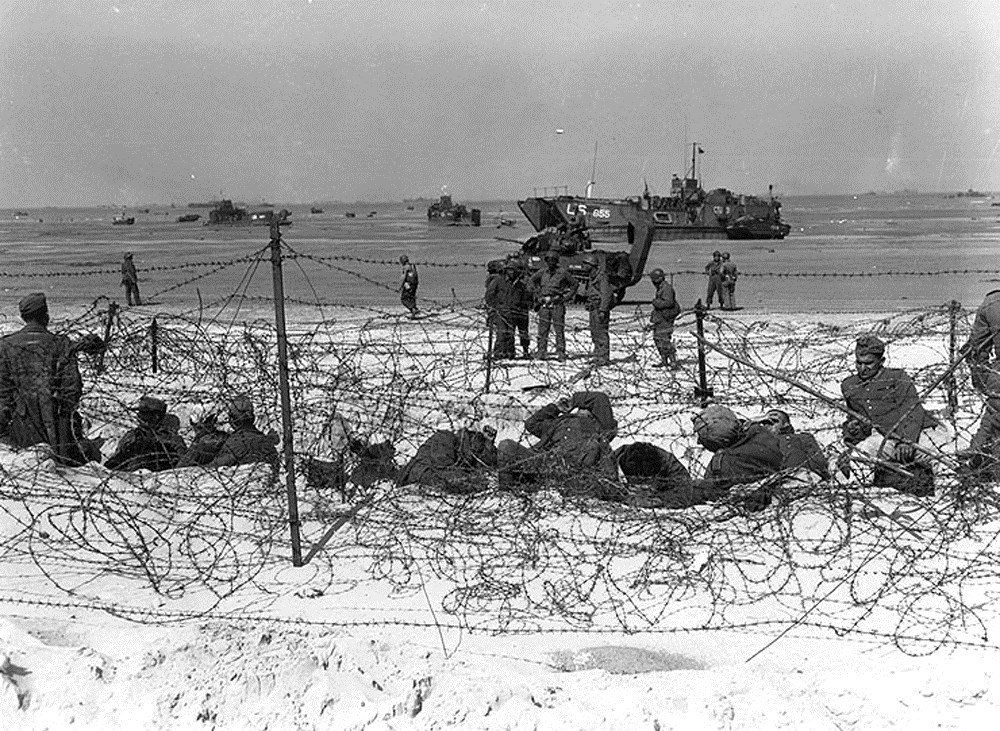 Photo of Prisoners of war on Utah beach