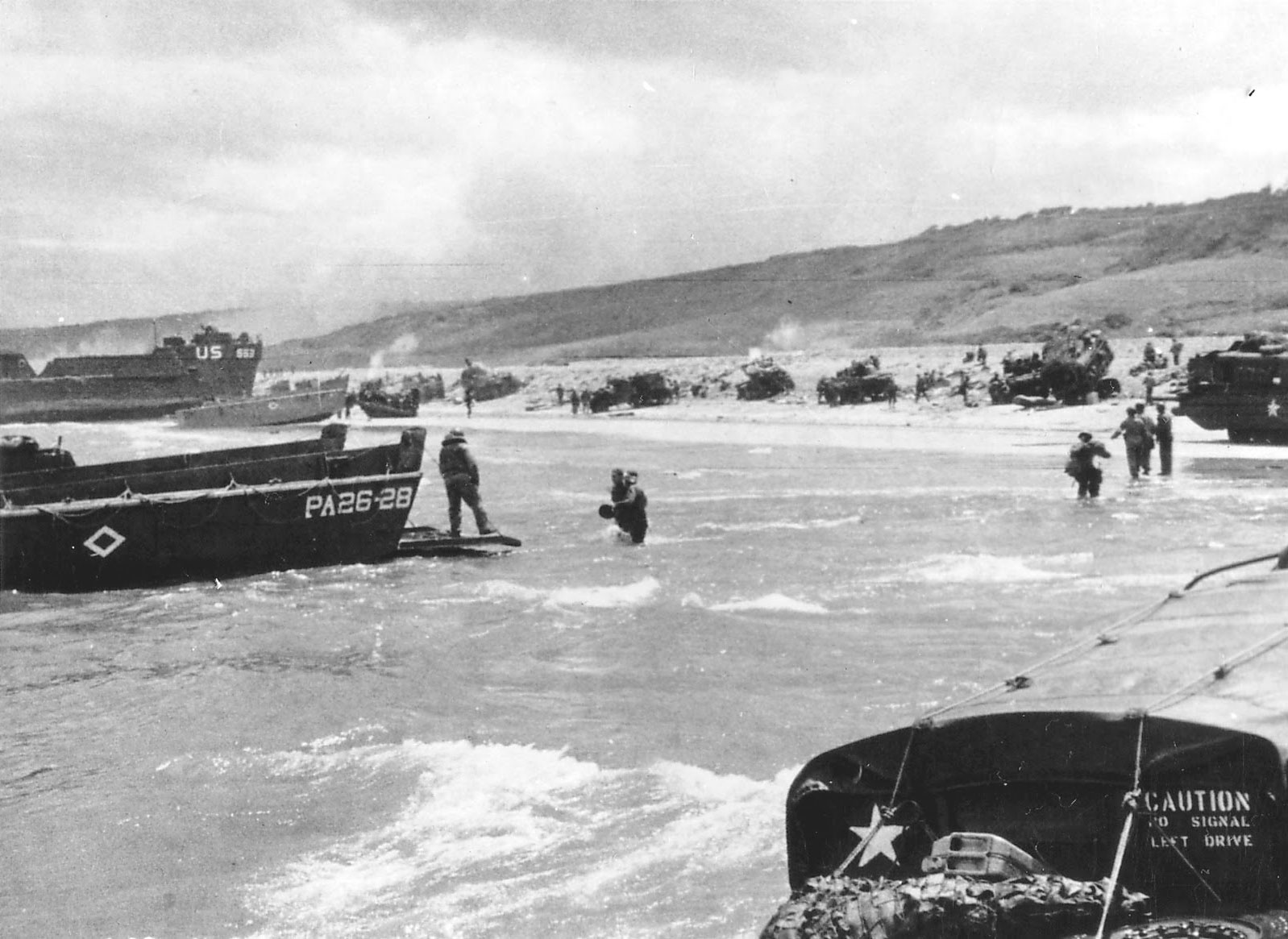 Photo of Unloading onto Omaha beach