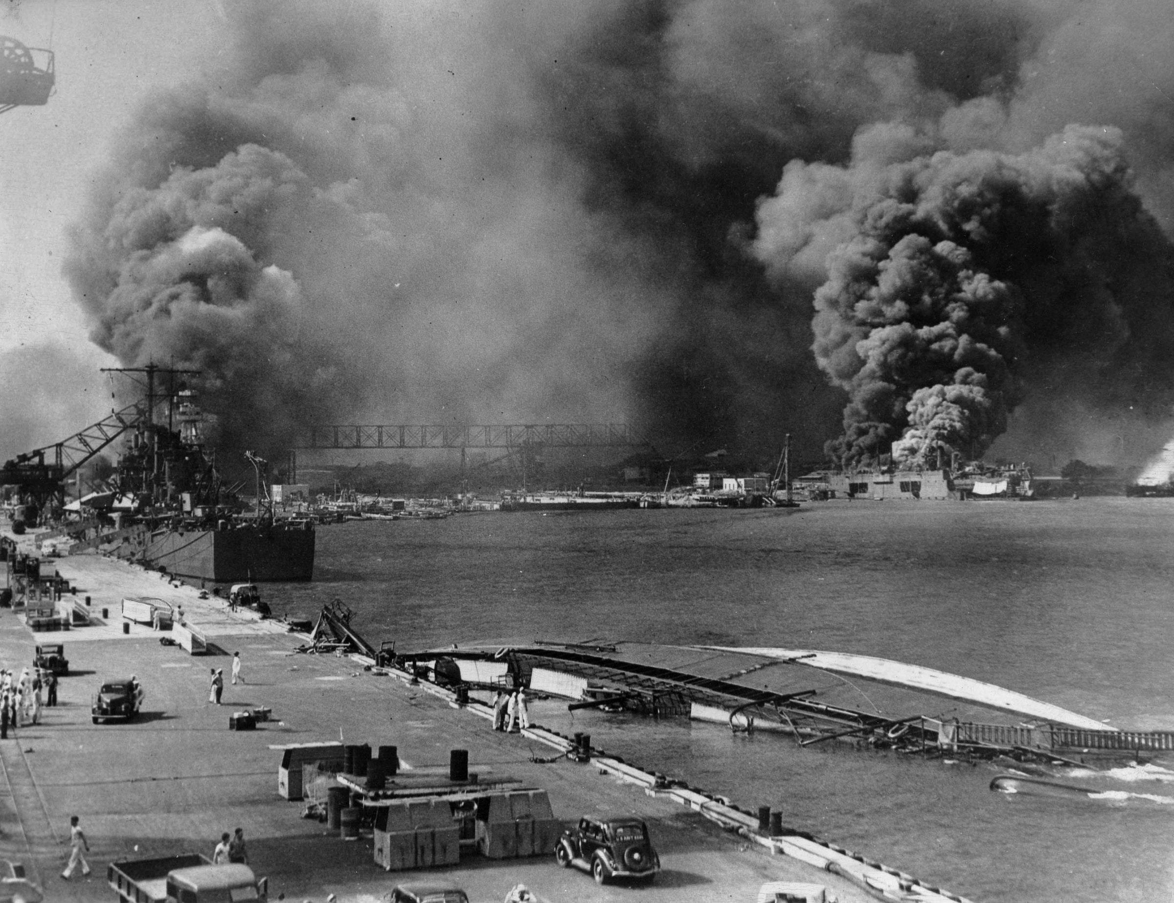 Photo of USS Oglala capsized