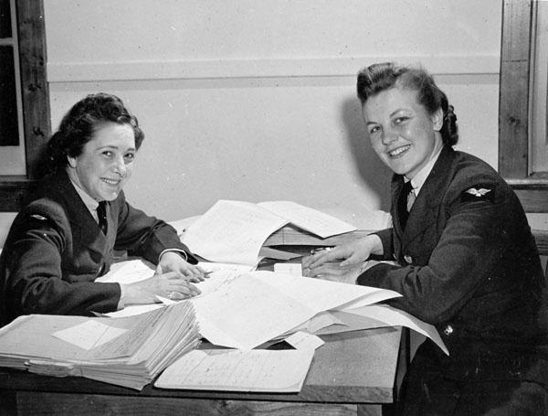 Photo of Female RCAF Personnel