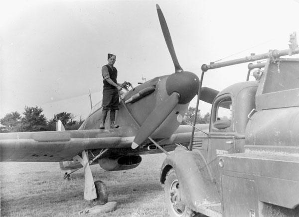 Refuelling the Hurricane - War Photos