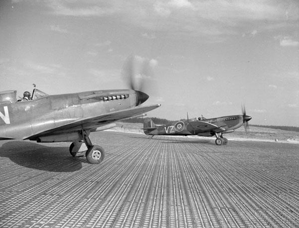 Photo of Supermarine Spitfire IXE