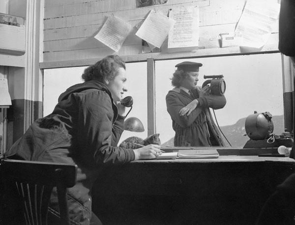 Photo of Signallers at Work