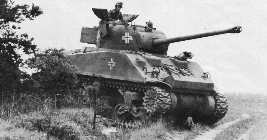 Photo of British Sherman Firefly VC