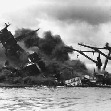 Sinking USS Arizona